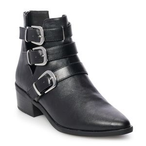 Shoes - NWT Madden NYC Clement Ankle Boots